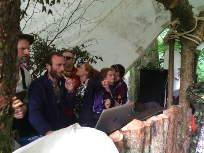 Viscount Dave : Great Host, dodgy DJ